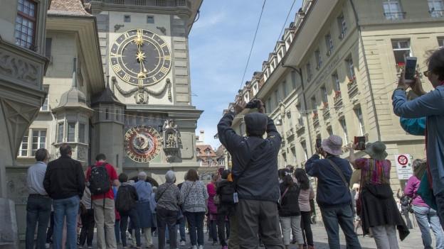 Der Zytglogge-Turm: ein «Hotspot» für Touristen aus allen Ländern.