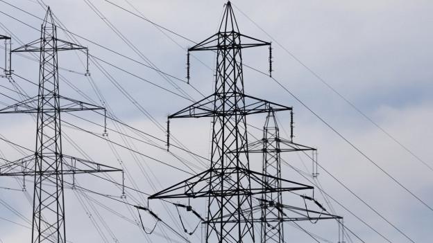 Die Strompreise in der Schweiz entwickeln sich in unterschiedliche Richtungen.