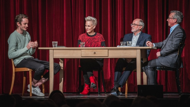 Die Gesprächsrunde am MäntigApéro.