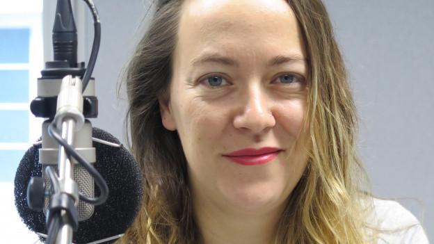 Die Berner Satirikerin Lisa Catena setzt sich humorvoll mit dem Thema «Humor» auseinander