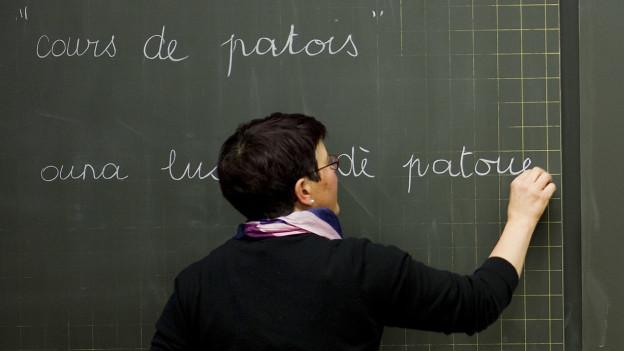 Als erste Primarschule synchronisiert die Schule «Filière Bilingue» in Biel die Lehrpläne.