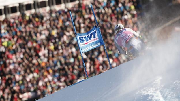 Der Norweger Aleksander Aamodt Kilde biegt ein in den Zielhang in Adelboden