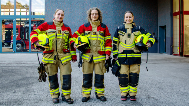 Frauen in der Ausrüstung.