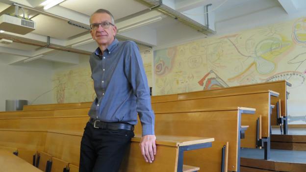 Christian Griot leitet das Forscherteam am Institut für Immunologie und Virologie des Bundes in Mittelhäusern bei Bern.