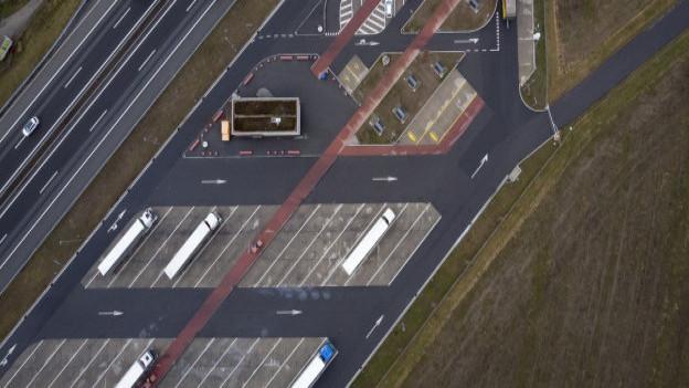 Neben der Autobahnraststätte Wileroltigen wird der Transitplatz für ausländische Fahrende gebaut.