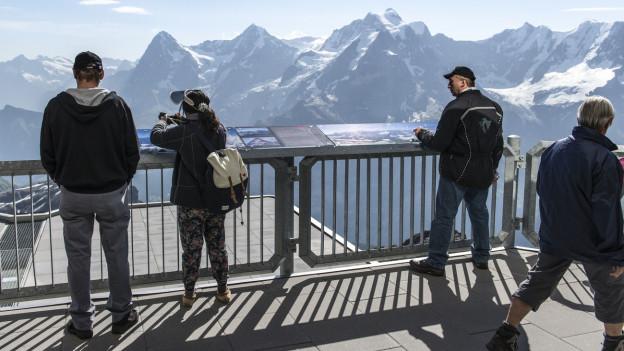 Aussicht auf Berge der Jungfrauregion