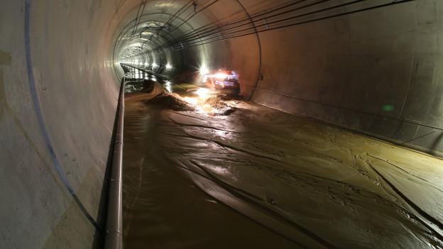 Lötschberg Basistunnel voller Schlamm.