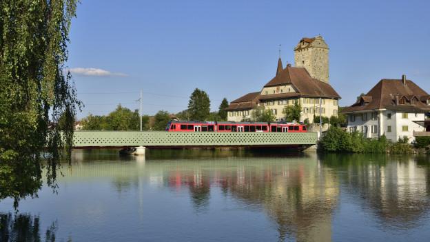 Zug in Aarwangen