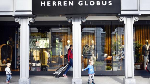 Eingang eines Herren-Globus-Ladens