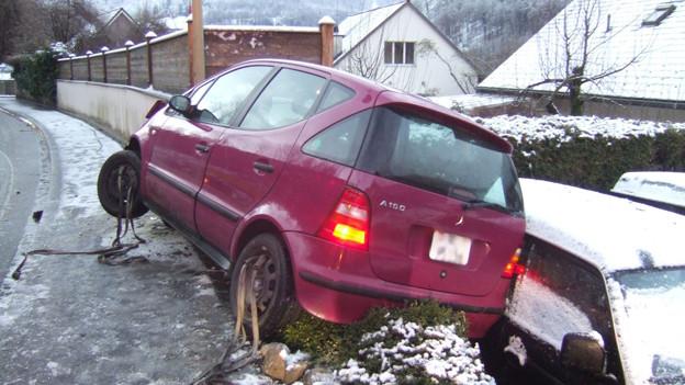 Unfall auf Glatteis in Duggingen - Der Winter sorgte in der ganzen Region für prekäre Strassenverhältnisse