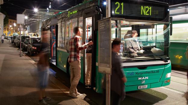 BVB Nachtbus beim Barfüsserplatz