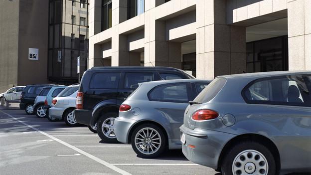 Bei neuen Wohnüberbauungen sollen Parkplatz-Vorschriften gelockert werden.