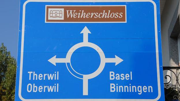 Strassenschild in Bottmingen, das wie Therwil, Oberwil und Binningen (noch) zur Vorortskonferenz gehört.