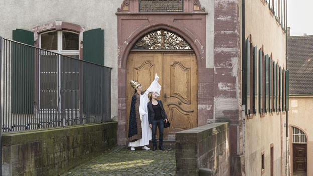 Ein einziges Mal in der Geschichte wurde ein Papst in der Schweiz gewählt: Der Gegenpapst Felix V., anlässlich des Basler Konzils im 15. Jahrhundert. Eine neue Stadtführung in Basel erzählt nun die Hintergründe dieser turbulenten Papstwahl.