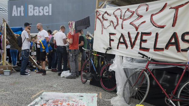 Favela-Protest auf dem Messeplatz.