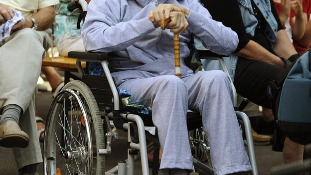Auf Bedürfnisse alter Menschen eingehen - Ziel des Altersleitbilds.