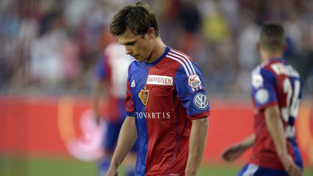 Valentin Stocker ging mit hängendem Kopf vom Feld.