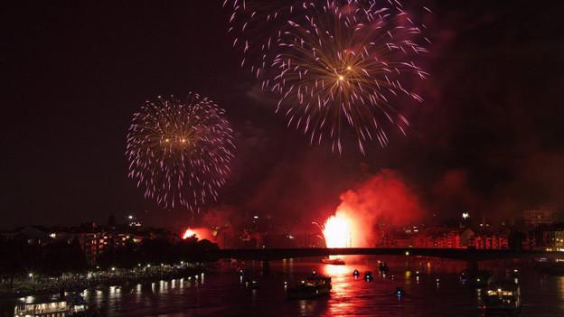 Grosses Feuerwerk in Basel