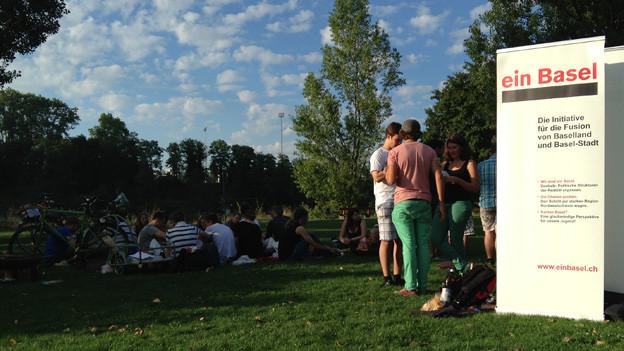Junge Fusionsfreunde organisierten Grillfest am Birsköpfli.