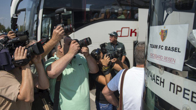 Grosses Medieninteresse für FCB-Bus in Sofia