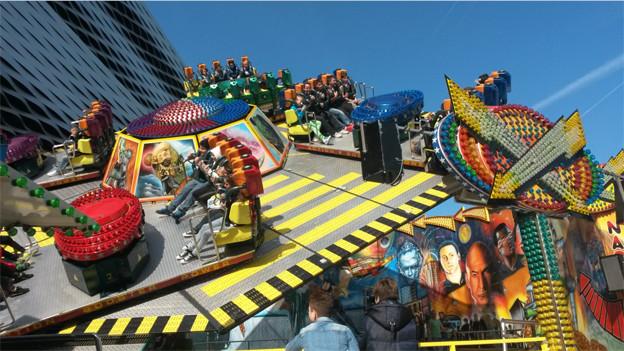 Bei sommerlichen Temperaturen startet die Basler Herbstmesse 2013