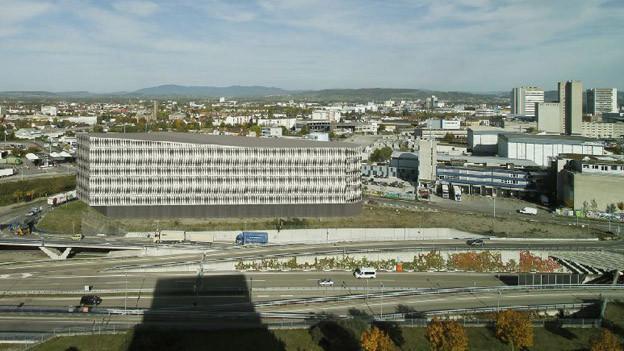 Neues Gewerbehaus soll gleich bei französische Grenze entstehen.
