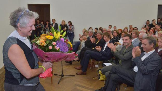 Die Malerin Miriam Cahn übernimmt den ersten Basler Kunstpreis.