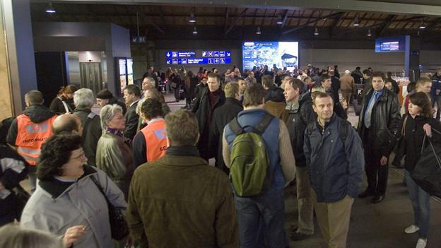 Sorgt für täglicher Ärger bei Zugpendlern: die Passerelle am Basler Bahnhof SBB.