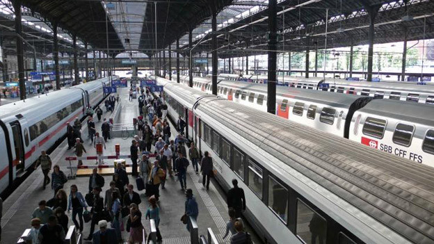Immer mehr Passagiere kommen in Basel SBB an