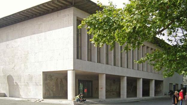 Das Kollegiengebäude der Universität Basel am Petersplatz.