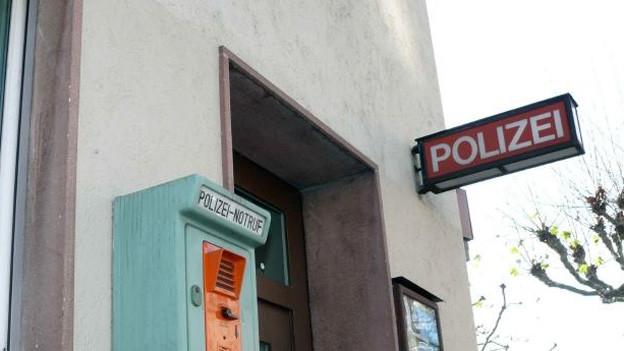 Basler Polizeiposten wurden wegen des Schrill-Alarms überrann