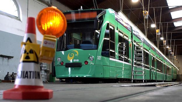 Combino im Service - wieviel Rundumerneuerung braucht die BVB-Spitze?