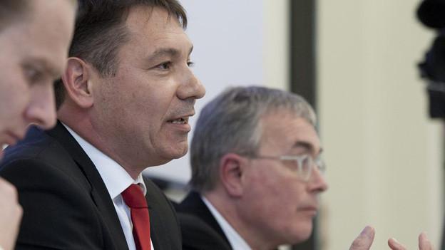 Novartis Schweiz Chef Pascal Brenneisen und Wirtschaftsdirektro Christoph Brutschin