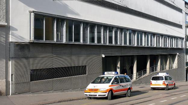 Basler Untersuchungsgefängnis Waaghof - überbelegt und sanierungsbedürftig.