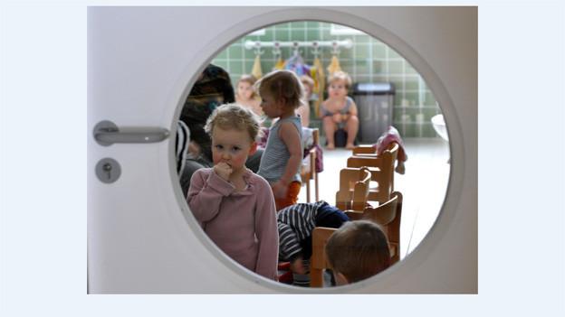Basel sucht junge Betreuerinnen und Betreuer für Kinder.