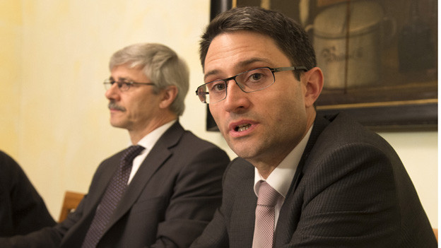 Lukas Engeblerger will Nachfolger von Carlo Conti werden.
