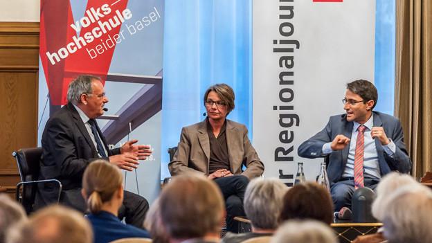E. Rutschmann, M. Bernasconi, L. Engelberger am Stadtgespräch.
