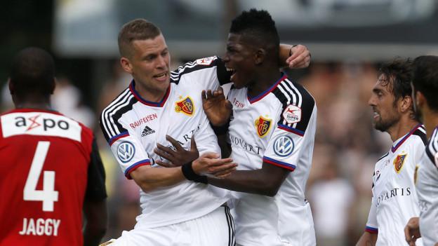 Freude beim FC Basel: Fabian Frei und Breel Embolo.