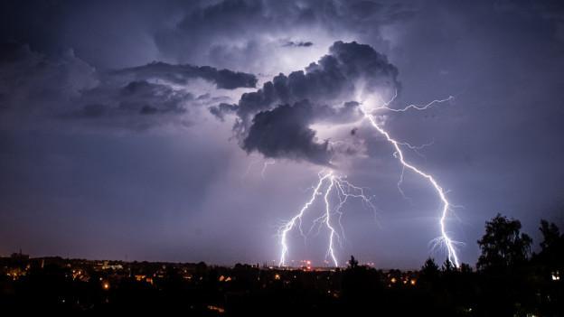 Von Sonntag auf Montag erlebte die Region Basel eine Gewitternacht.