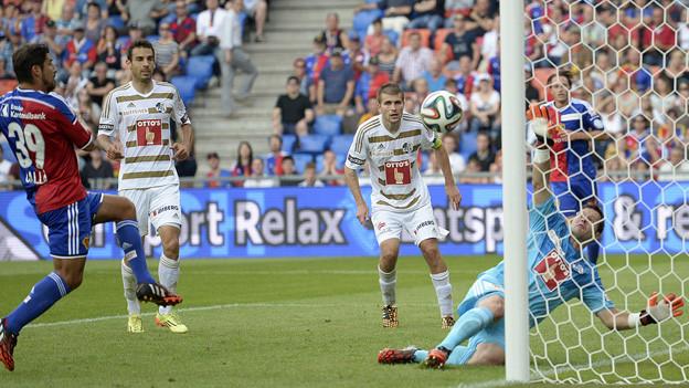 In letzter Sekunde trifft Calla für FCB zum 3:0.