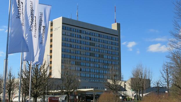 Aussenansicht des Kantonsspital Bruderholz