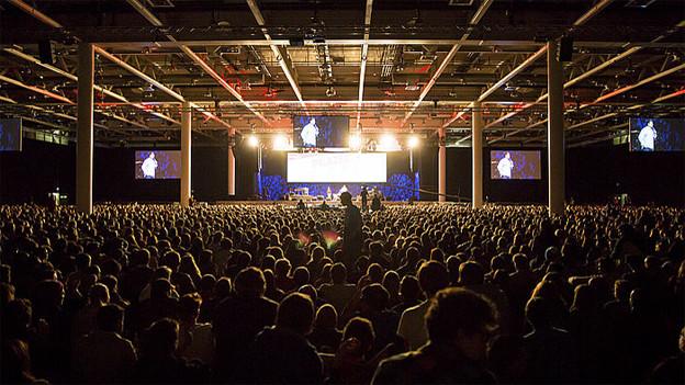 Tausende Jugendliche am Praise Camp in Basel