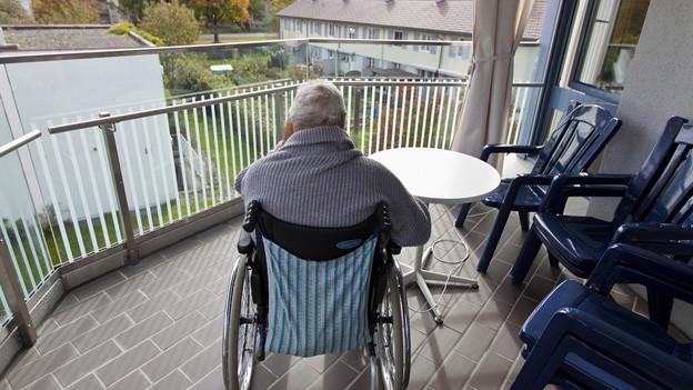 Basel hat zuviele Heim-Plätze für alte Menschen
