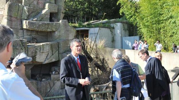 Der Basler Zoo-Direktor Olivier Pagan freut sich