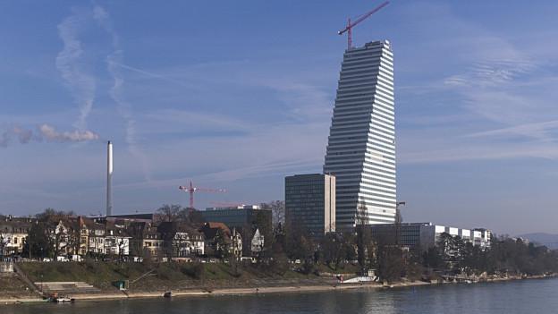 Roche Turm vom Grossbasel aus gesehen