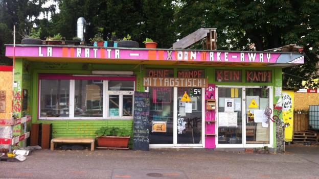 Der besetzte Kiosk an der Schanzenstrasse