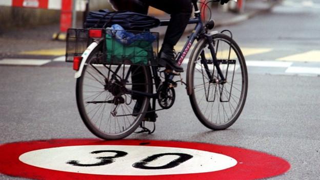 Die Basler Regierung will den Langsamverkehr weiter fördern.