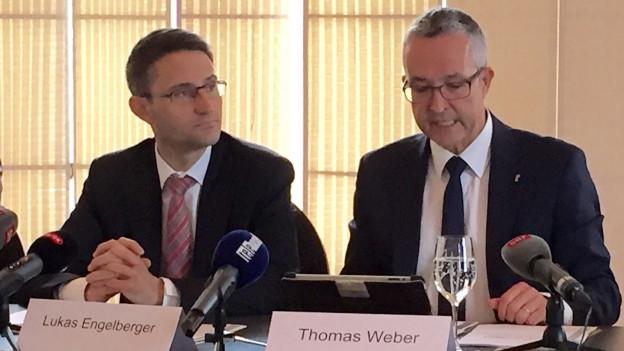 Lukas Engelberger und Thomas Weber wollen bei den Spitälern enger zusammenarbeiten.