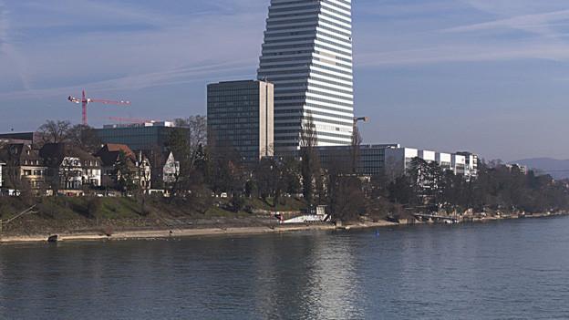 Roche hat Probleme mit Kühlwasser aus dem Rhein