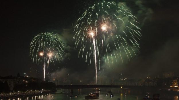 Auch in diesem Jahr: Feuerwerk über dem Rhein